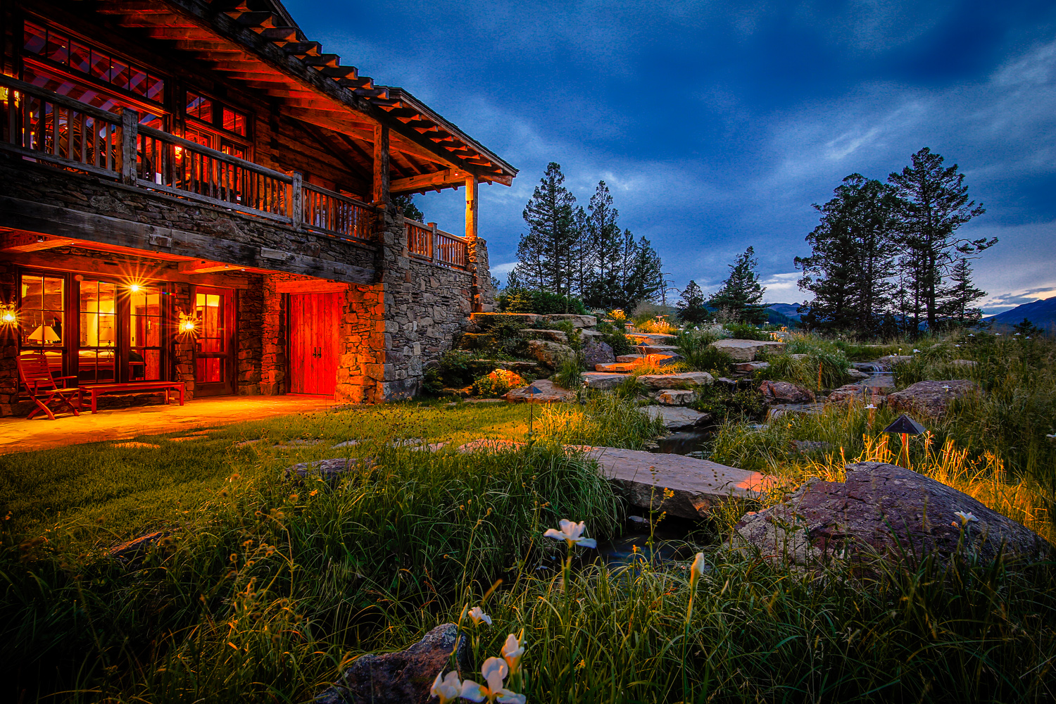 Photo of Great Horn Ranch house with rock and water features